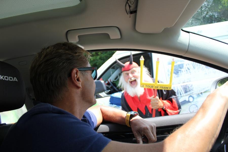 Denne karen er et velkjent fjes for folk som følger Tour de France. Han er tysk og er alltid å se på etappene i Touren.