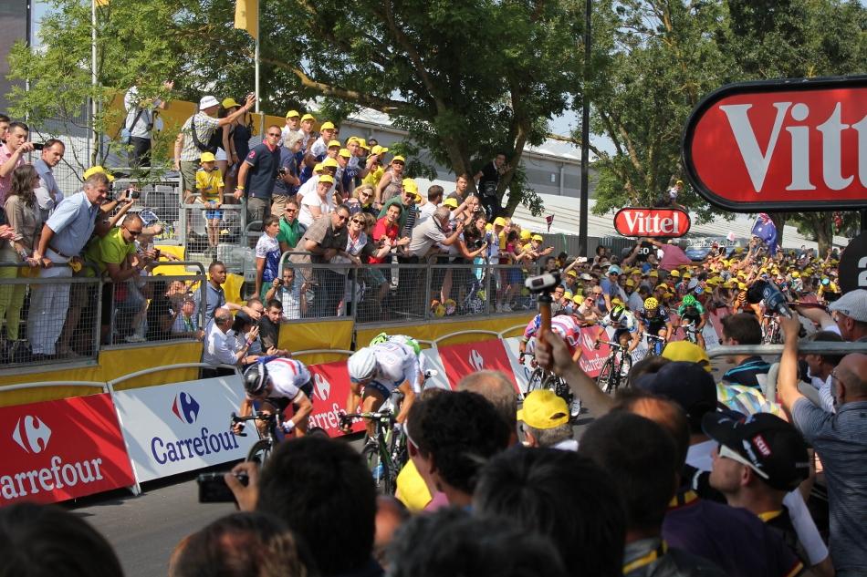 Målgang og perfekt plass for å se Cavendish vinne etappen!