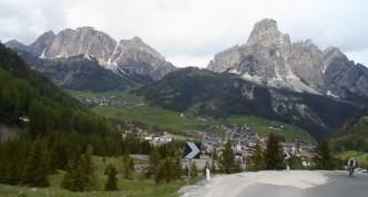 Dagens siste fjellpass. Passo Campolongo. Ikke veldig bratt eller langt opp her.